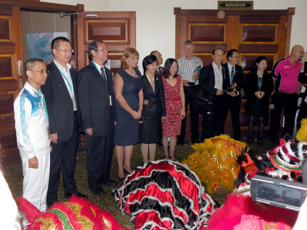 The Mayor of Townsville Cr Jenny Hill, Dr Wendy Li and guests from China