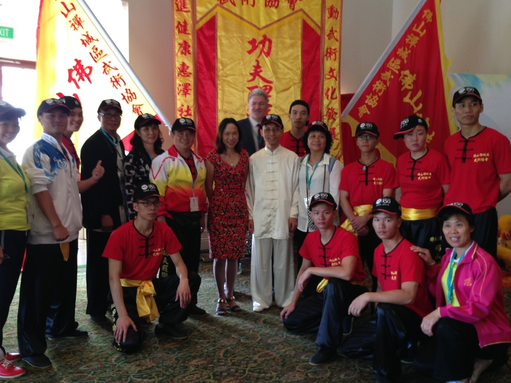 Dr Wendy Li, Mr Simon Millcock of Townsville City Council and the Foshan Lion and Kungfu Team